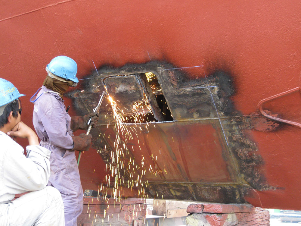 Ship Drydocking And Technical Photo 18